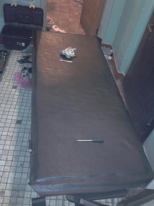 Замена обивки на металлической двери