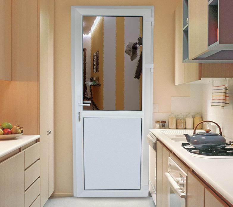 Дверь из пластика на кухне
