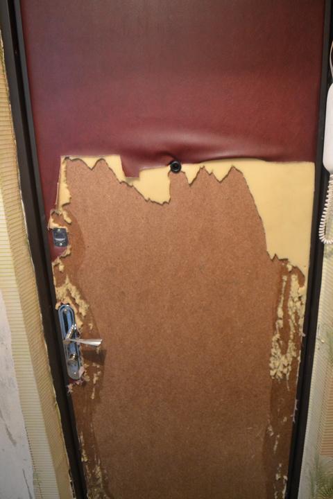 Снятие обивки входной двери
