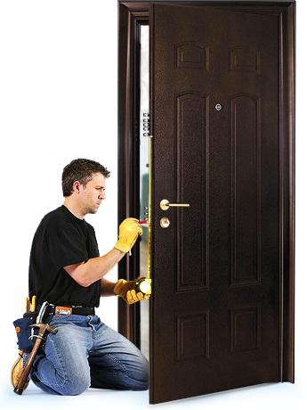 Монтаж дверного замка