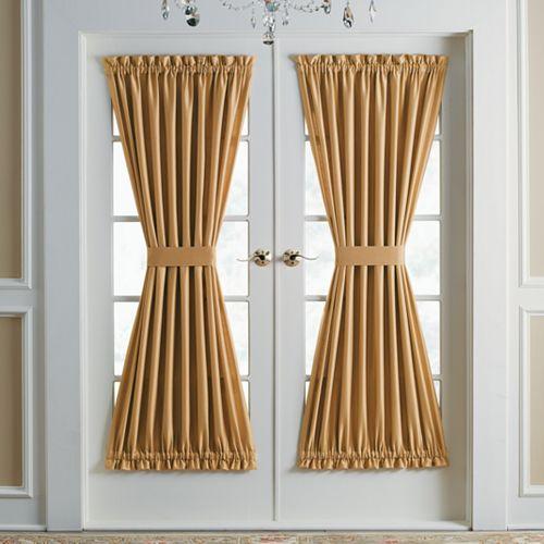 Шторы в форме песочных часов на дверном полотне