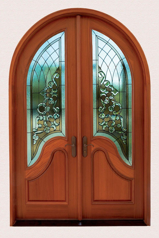 Арочная деревянная дверь