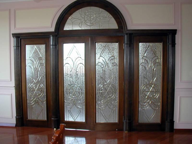 Арочные двери в интерьере
