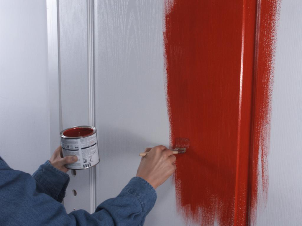Покраска дверного полотна