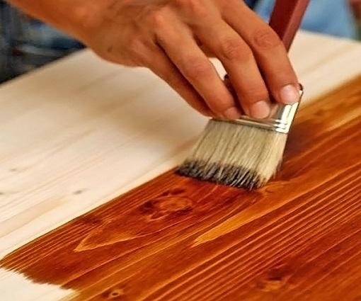 Обработка древесины морилкой