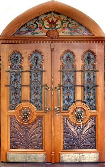 Элитная дверь с ковкой