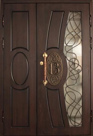 Двупольная дверь с ковкой