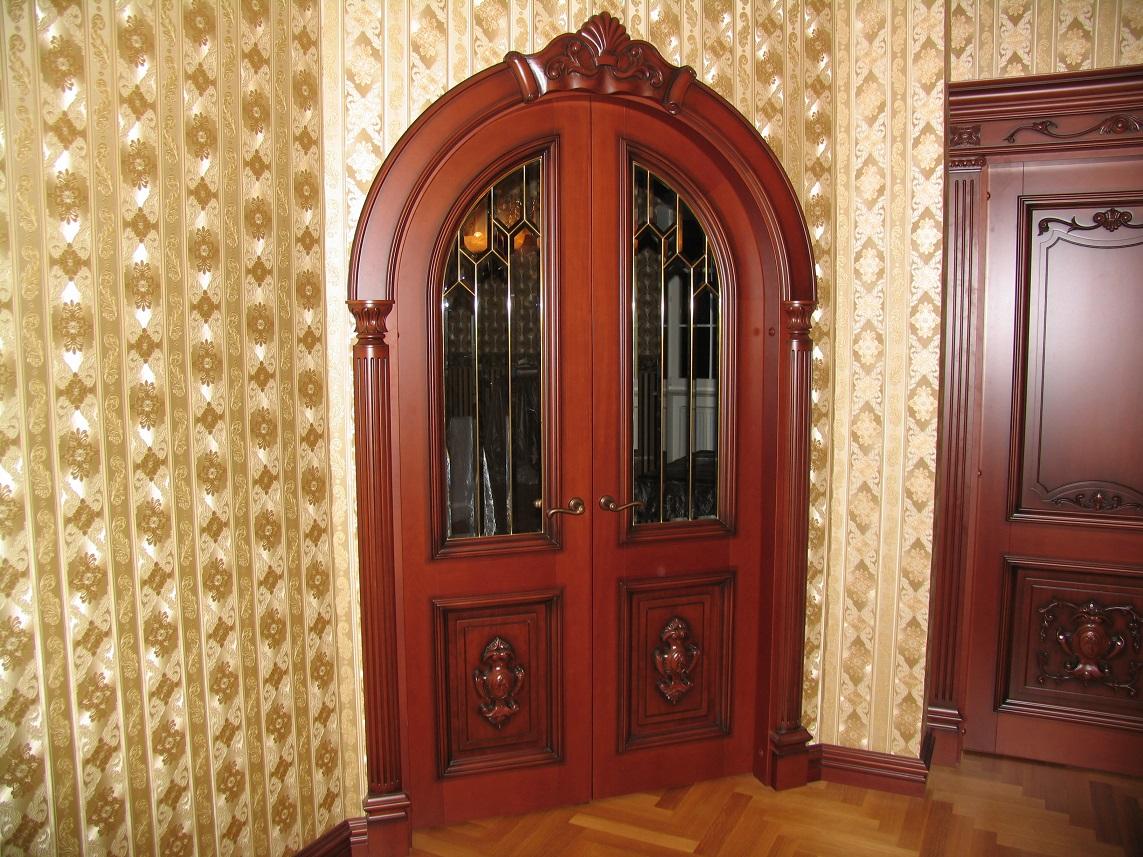 Арочная дверь в интерьере