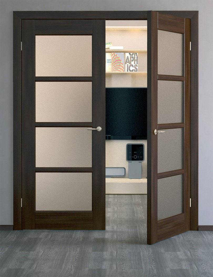 Двупольная дверь в гостиной