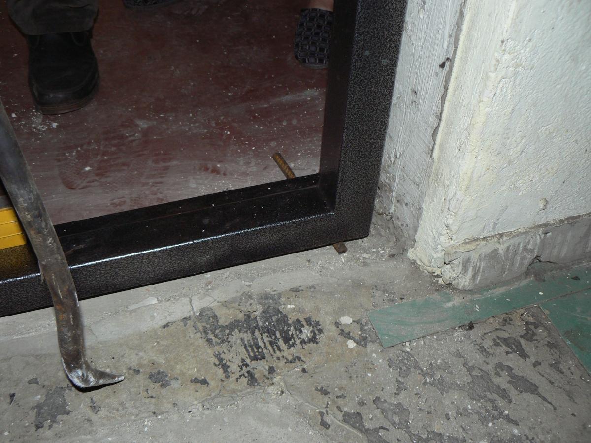 Установка коробки входной двери