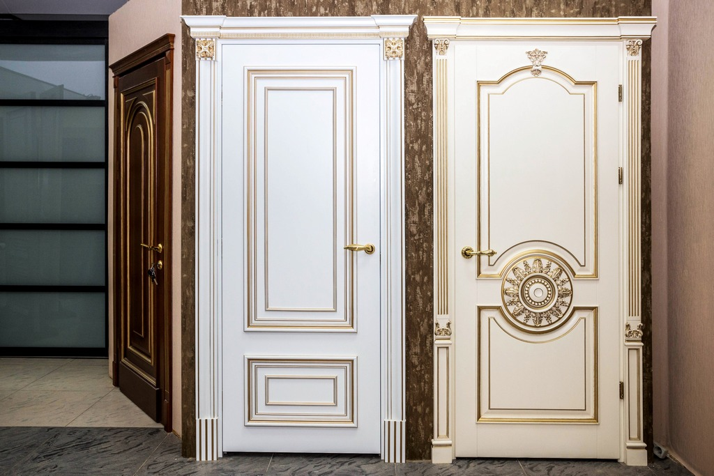 Двери в классическом направлении