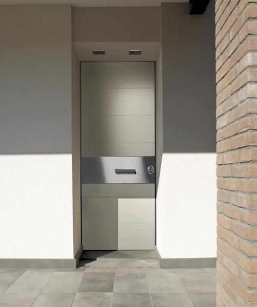 Итальянская дверь современного дизайна