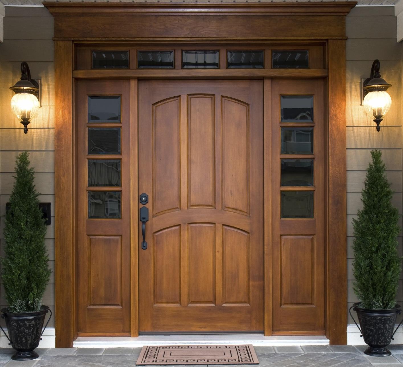 Двуполая деревянная дверь