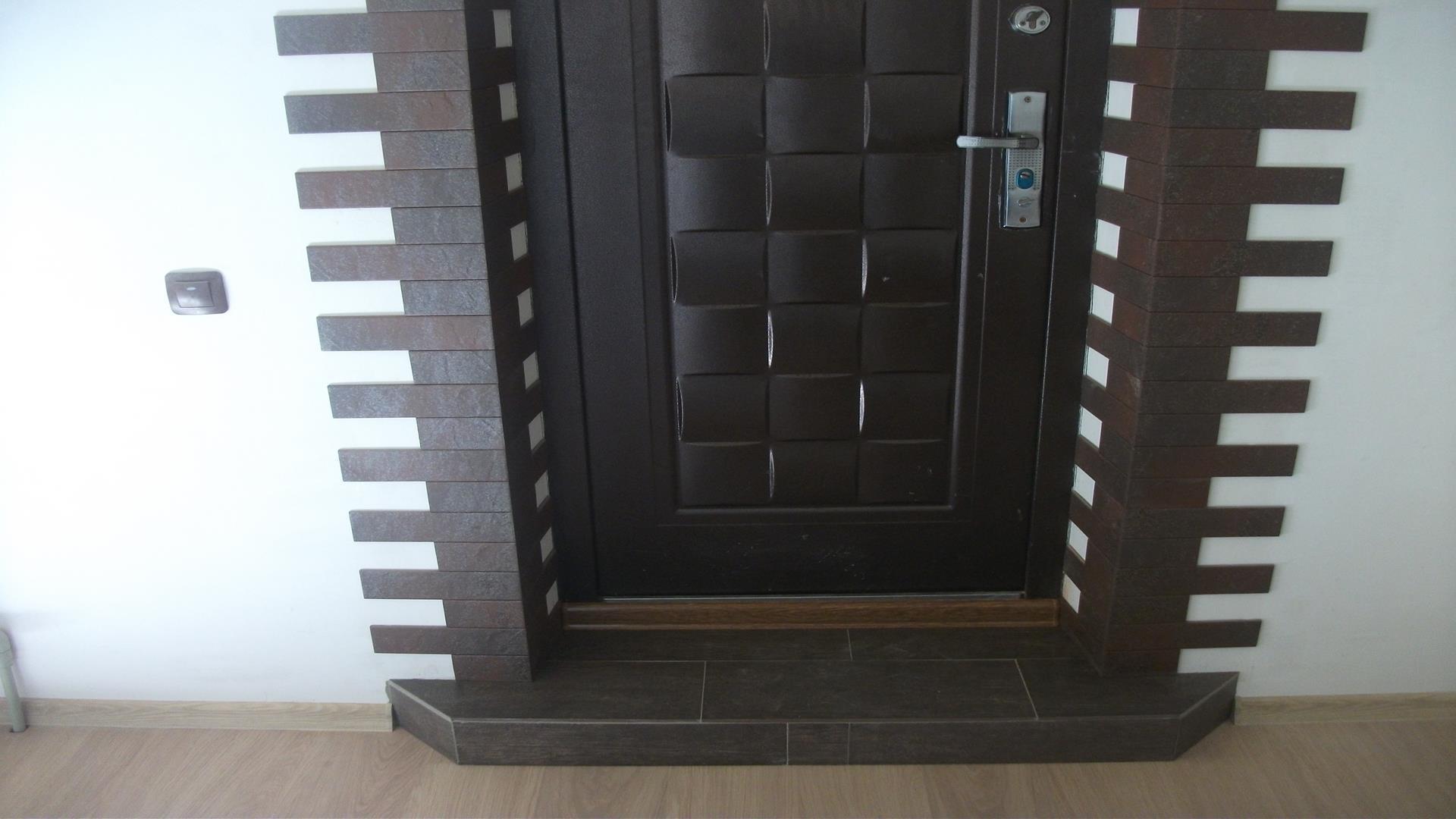 отделка дверей декоративным искусственным камнем монтаж