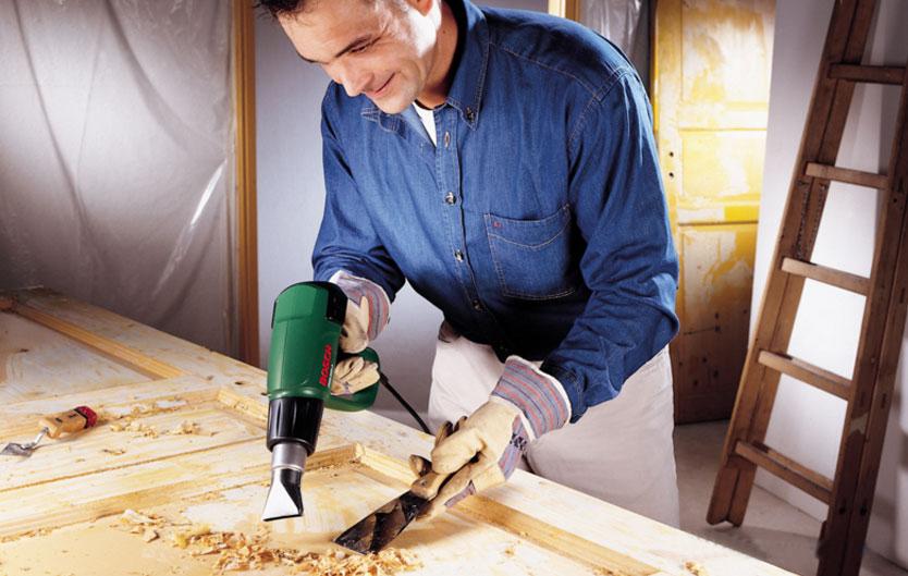 Удаление лакокрасочного покрытия с двери