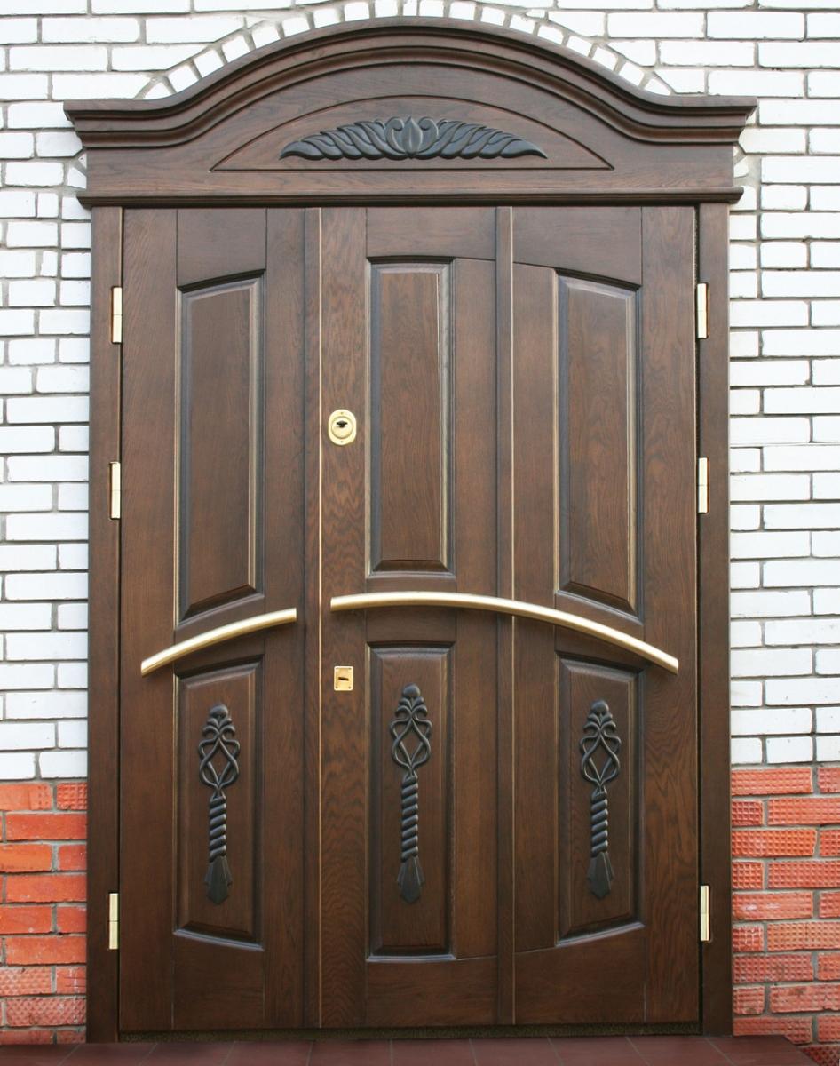 Дубовая входная дверь