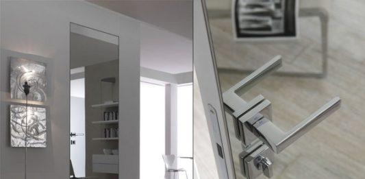 Зеркальная дверь