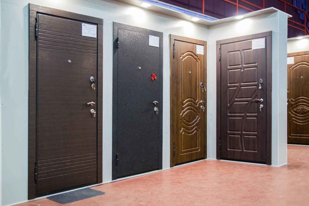 Двери в салоне