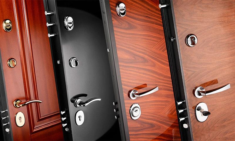 Входные двери с различным вариантом отделки