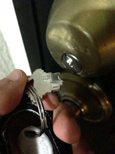 Сломался ключ в замке