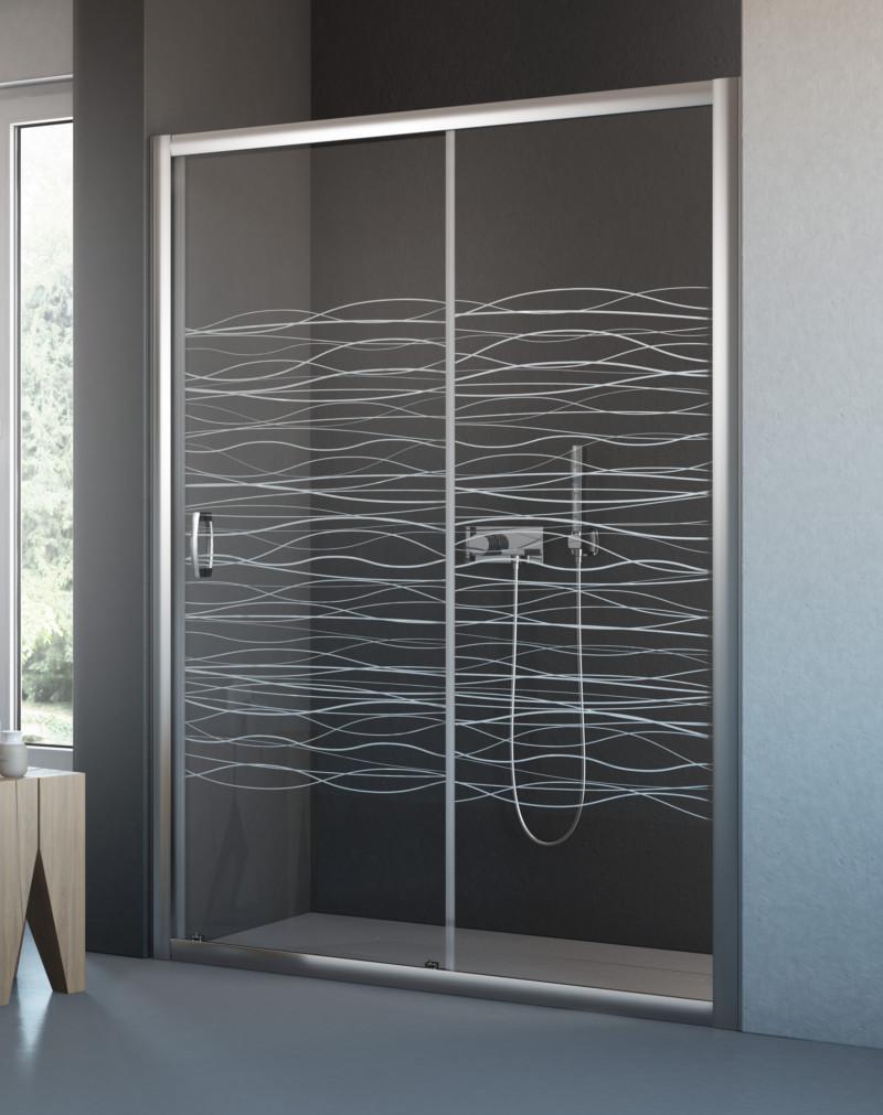 Дверь в душевую с гравировкой