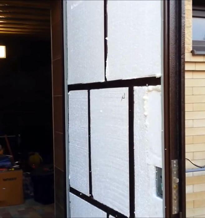 Дверь, утепленная пенопластом