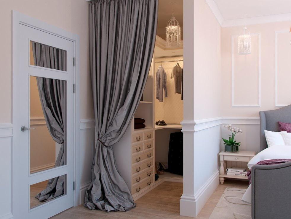 Шторы для дверей в спальне