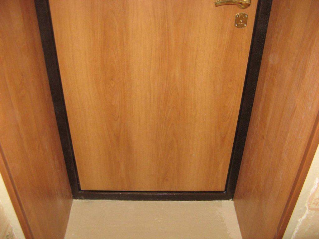 Вариант отделки дверного откоса