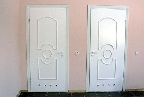 Пластиковые двери в санузлы