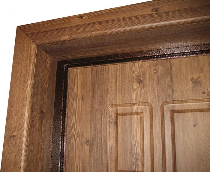 Наличники входной двери из дерева