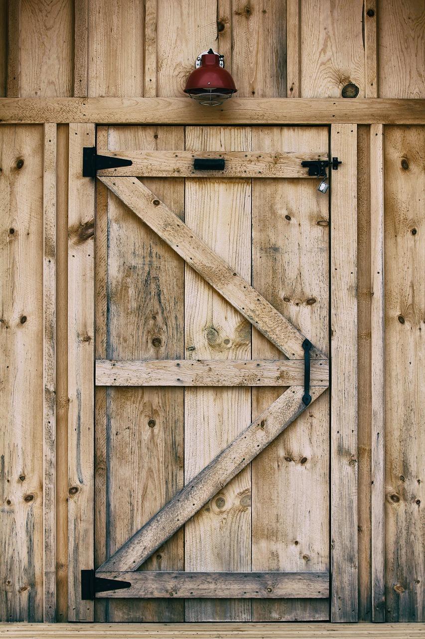 двери из досок своими руками фото вышивка трапунто