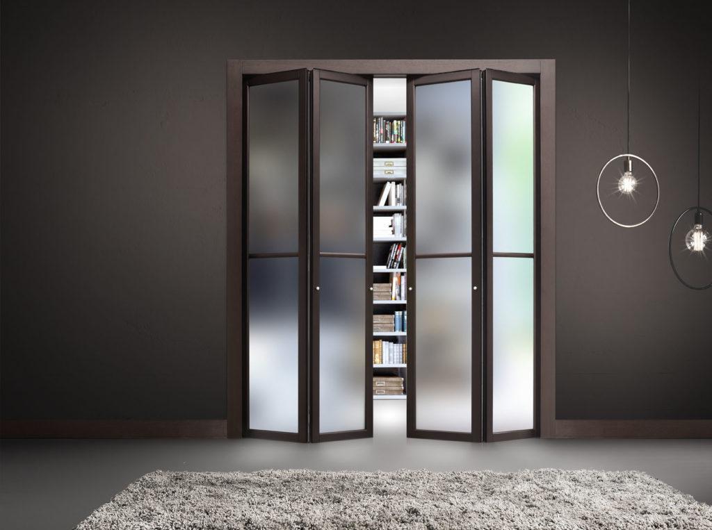 Дверь-книжка со вставками стекла