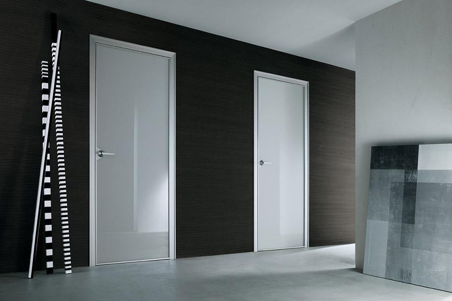 Глянцевые белые двери