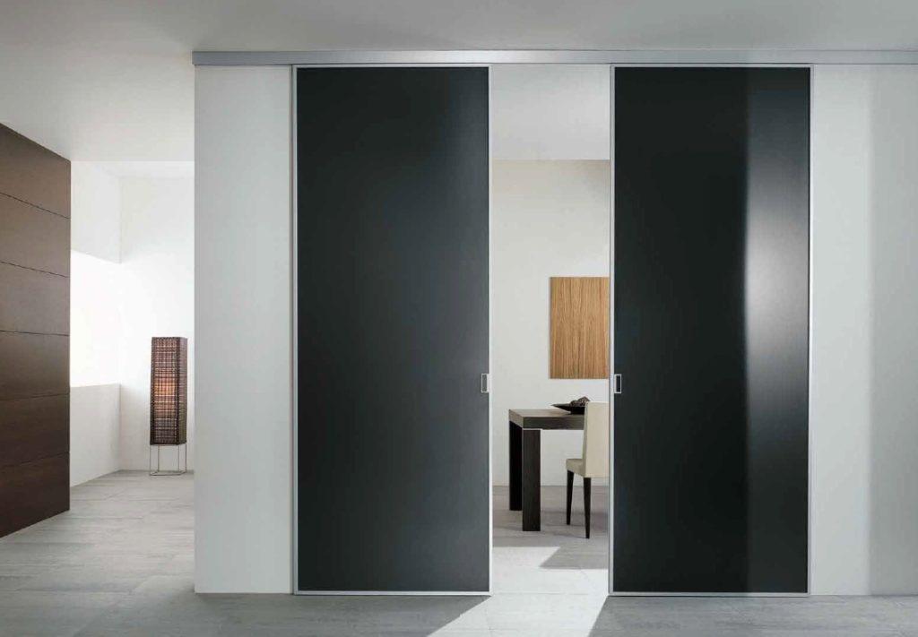 Раздвижная дверь в стиле Хай-тек