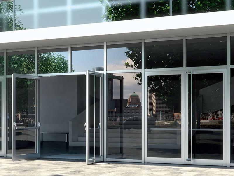 Алюминиевая дверь на входе в административное здание