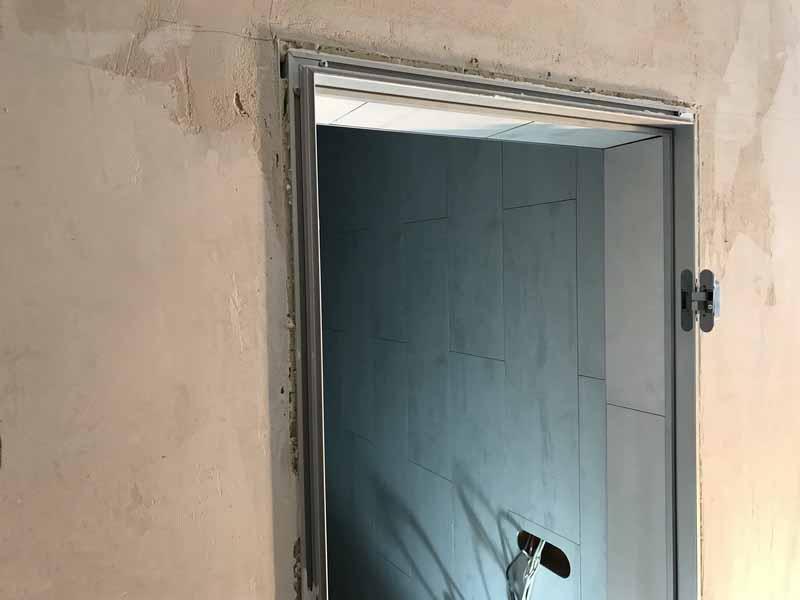 Коробка двери скрытого монтажа в проеме