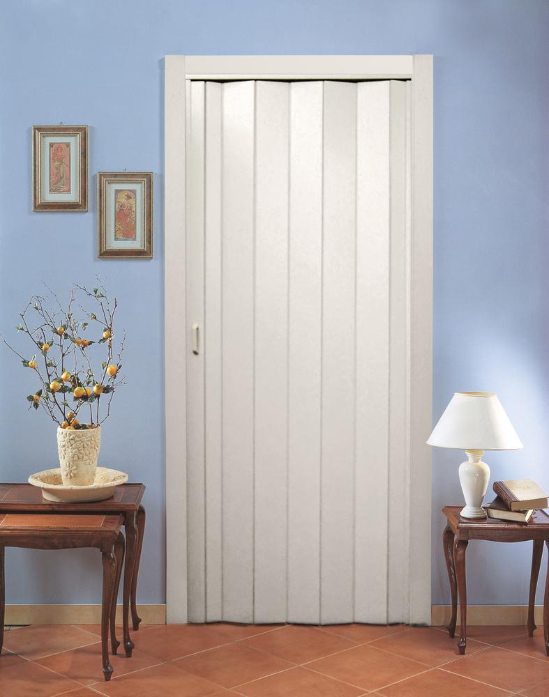 Складная глухая дверь
