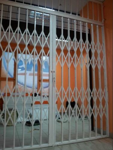 Раздвижная дверь-решетка