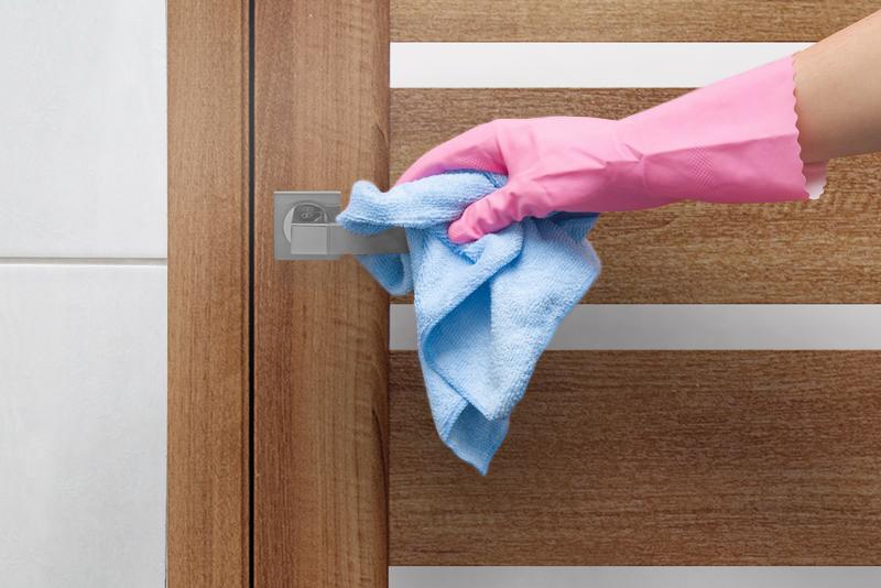 Чистка двери