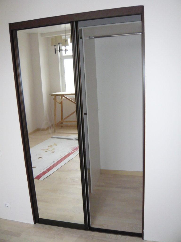 Дверь в гардероб