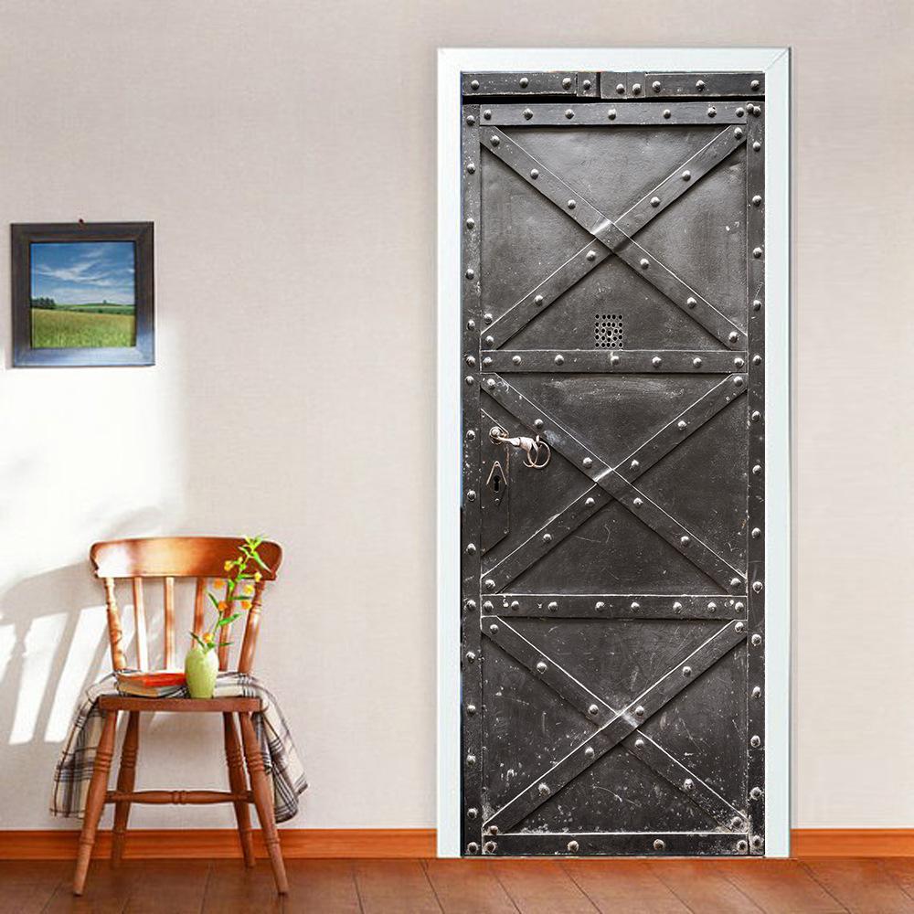 Дверь с имитацией старой железной поверхности