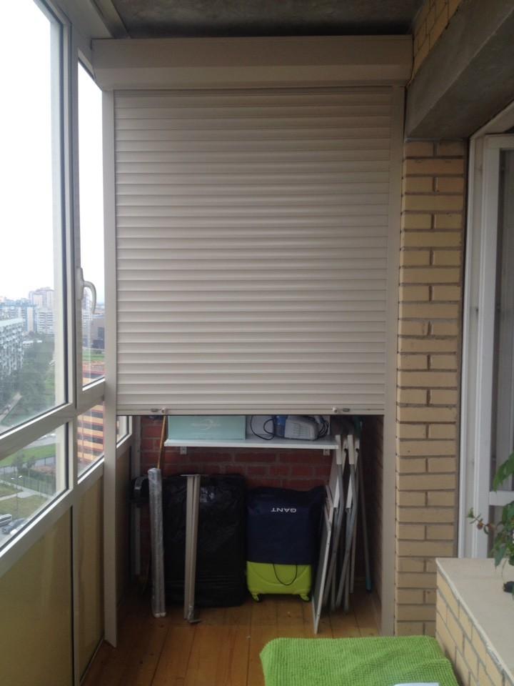 Роллеты на балконе