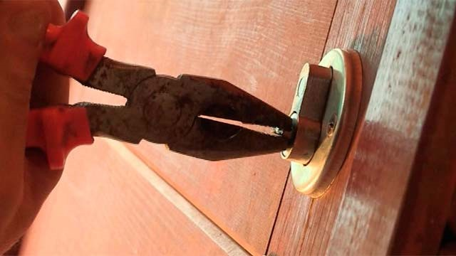 Вытаскивание обломка ключа
