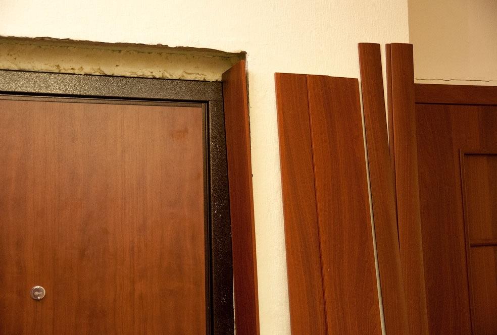 Наличники входной двери