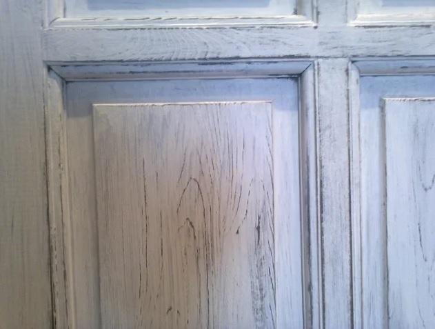 Состаренная поверхность двери